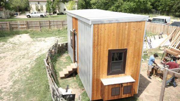 nomadic-cabins-the-texan-tiny-house-001